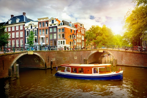 Постер на подрамнике Где-то в Амстердаме
