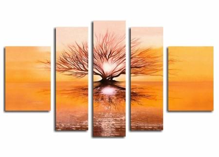 Модульная картина Дерево в лучах восходящего солнца