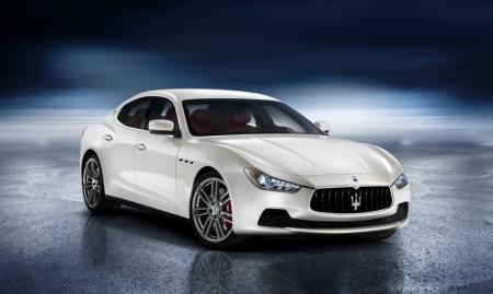 Постер на подрамнике Белый Мазерати (Maserati)