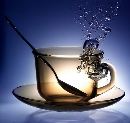 Постер на подрамнике Вода в чашке