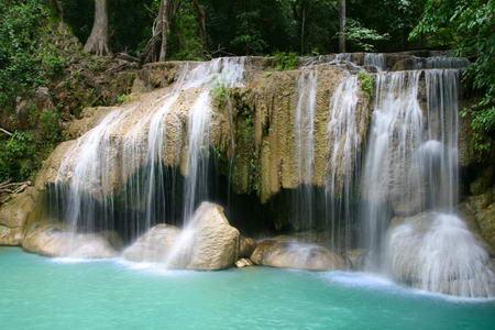 Постер на подрамнике Красивый маленький водопад