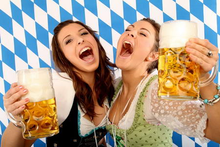 Постер на подрамнике Подруги за кружкой пива