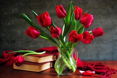 Постер на подрамнике Тюльпаны в графине
