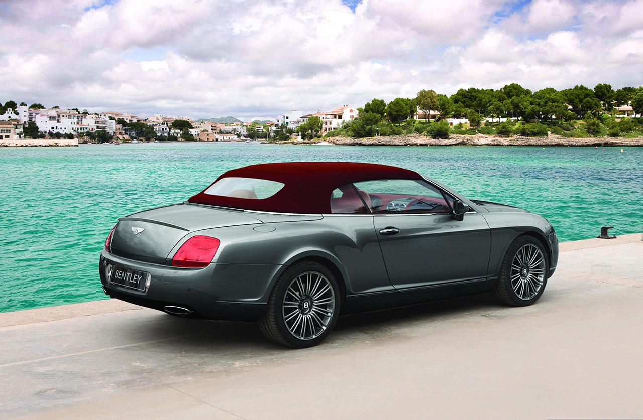 Постер на подрамнике Bentley-24