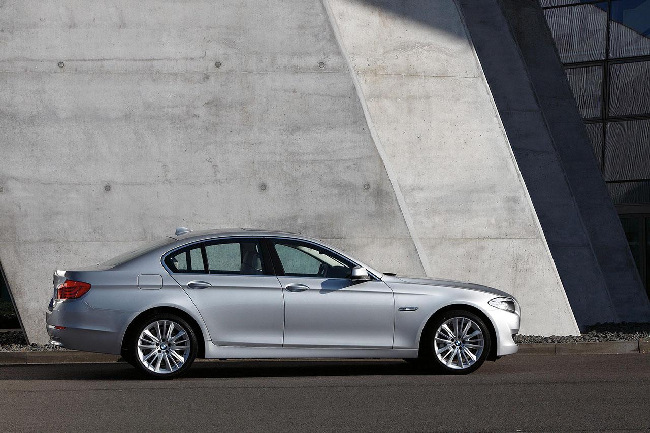 Постер на подрамнике БМВ (BMW)-221