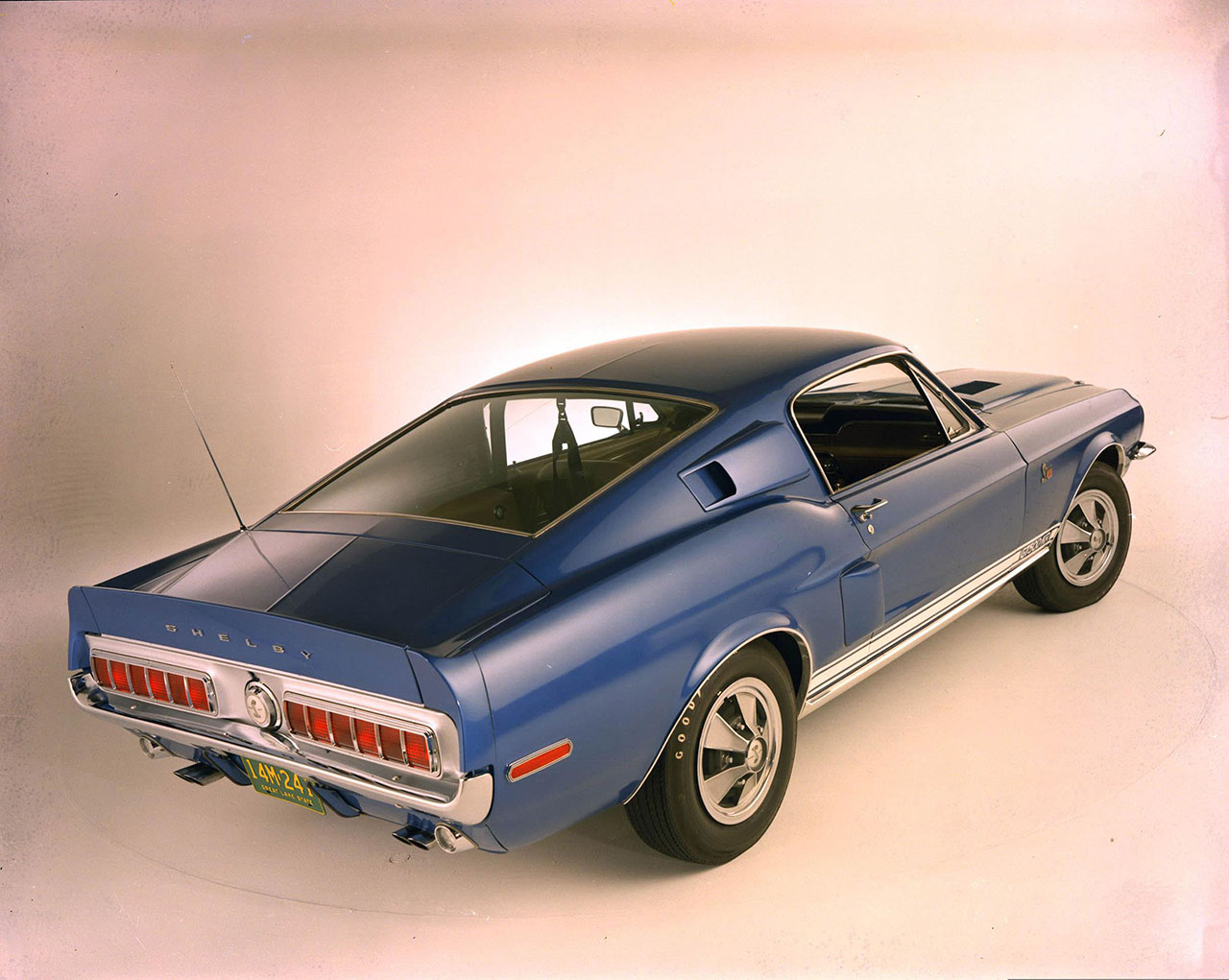 Постер на подрамнике Mustang-67