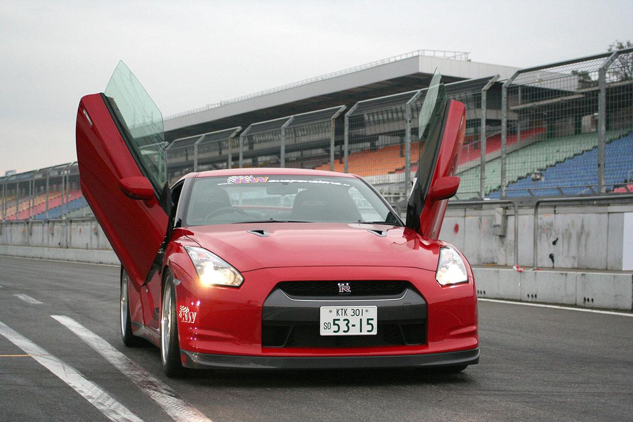 Постер на подрамнике Nissan-171