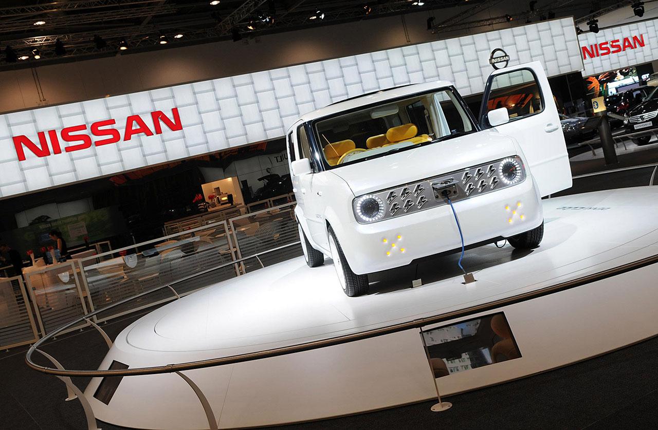 Постер на подрамнике Nissan-235