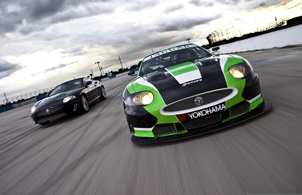 Постер на подрамнике Jaguar-19