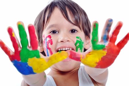 Постер (плакат) Мальчик с краской на руках