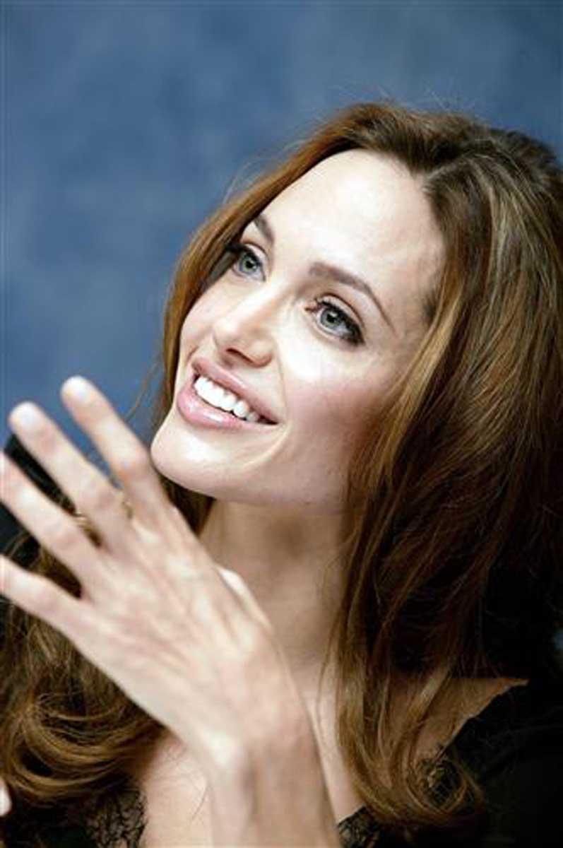 Плакат Анджелина Джоли-45