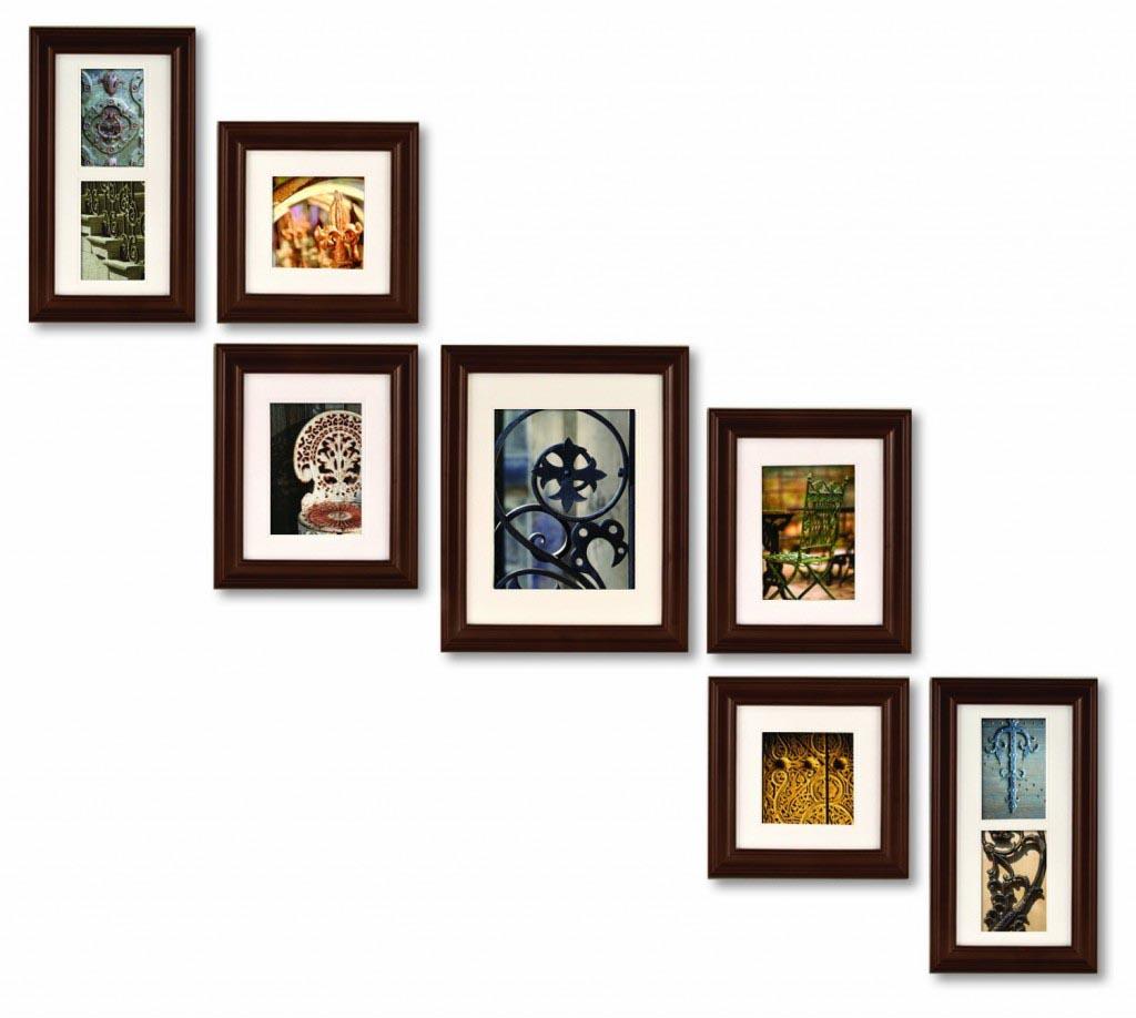 Расположение группы картин на стене