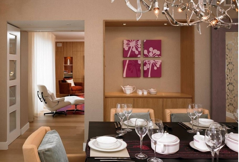 Цветочные мотивы красиво смотрятся на кухне